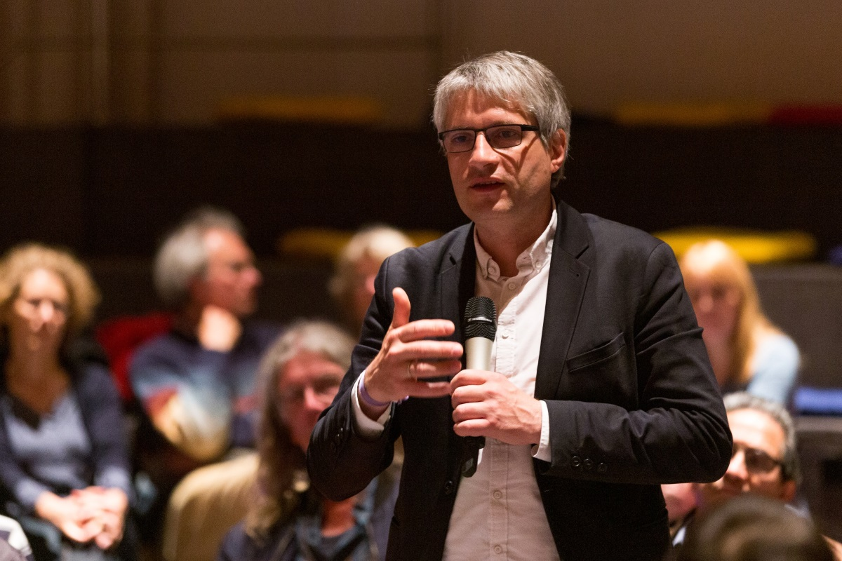 Viele Fragen an Grünen-EU-Spitzenkandidat Sven Giegold zu Gast in Emden
